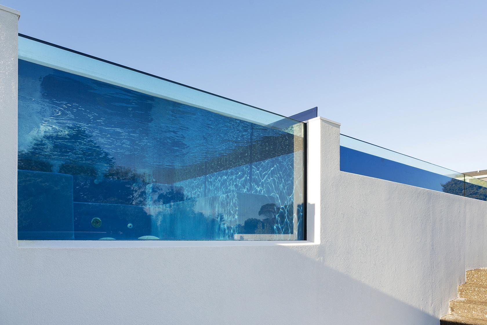 Pool Spa Glass Side Oceanbeach