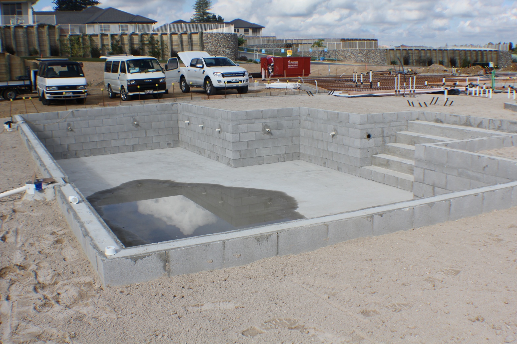 Build - Cinder block swimming pool construction ...